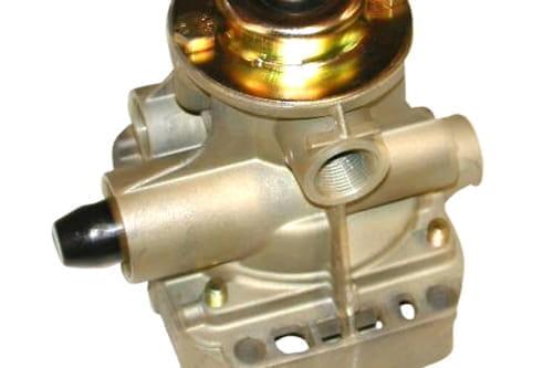 Brake accelerator valve