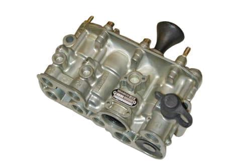 Lift axle valve