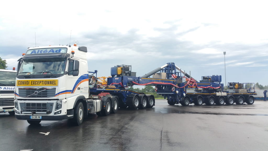 Nooteboom MWT Mega WIndmill Transporter with 3-axle Jeepdolly, LIFTAD100 and NLD70