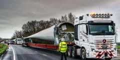 Plant Speed moves UK's longest wind turbine blades on Nooteboom SWC Super Wing Carrier