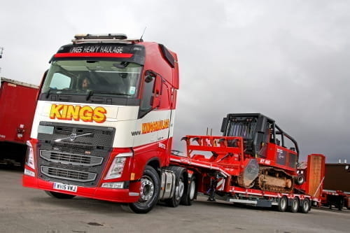 SELF-STEERING SEMI LOW-LOADERS